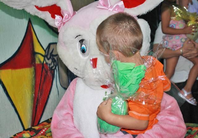 Parceria Abecom: ONG Maria Maymard - Festa de Páscoa