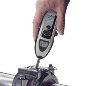 termometro-de-contato-inspeção-de-rolamento-durante-operação