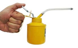 Almotolia para aplicação de óleo lubrificante